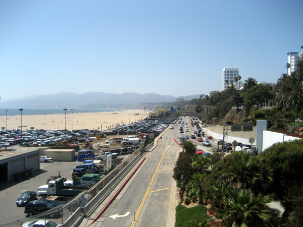 A Pacific Coast Highway em Santa Monica